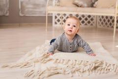 Portrait de petit bébé garçon mignon Photo stock