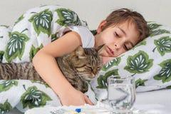 Portrait de petit garçon malade Photo libre de droits