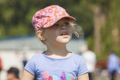 Portrait de petite fille avec le chapeau Photo stock