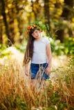 Portrait de petite fille en parc d'automne Images stock