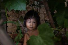 Portrait de petites filles d'un village asiatiques photographie stock libre de droits