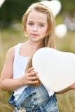 Portrait de petites filles dans un domaine photo stock