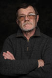 Portrait de plan rapproché d'homme plus âgé avec des verres Images stock