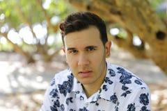 Portrait de plan rapproché d'un homme cubain bel Image stock