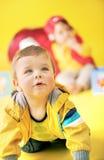 Portrait de plan rapproché d'un petit enfant en bas âge Photo stock