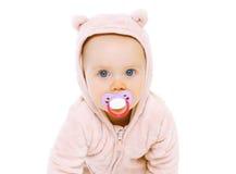 Portrait de plan rapproché de bébé doux avec la tétine Images libres de droits