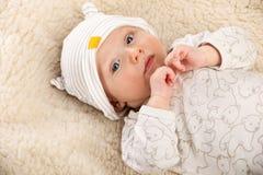 Portrait de plan rapproché de bébé garçon Image stock