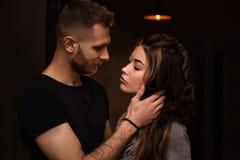 Portrait de plan rapproché de beaux jeunes couples Images stock