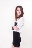 Portrait de plan rapproché de brune de sourire caucasienne attrayante de femme Images stock