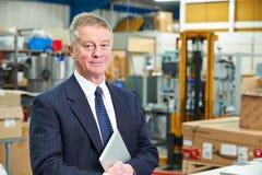 Portrait de propriétaire d'usine avec la Tablette de Digital Photographie stock libre de droits