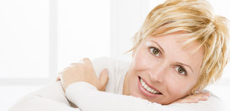 Portrait de quarante ans de femme Image stock
