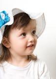 Portrait de sourire de plan rapproché de petite fille images stock