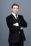 Portrait de studio d'un homme d'affaires de sourire de jeunes de mode Images stock