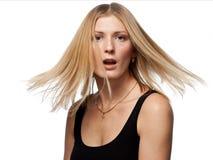 Portrait de studio d'un jeunes blond et sourire Photographie stock