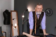 Portrait de tailleur mûr photo libre de droits