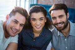 Portrait de trois amis de sourire photos stock