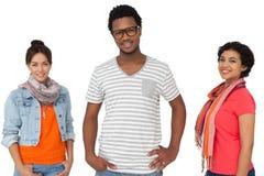 Portrait de trois jeunes amis frais Image stock
