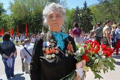 Portrait de vétéran de la deuxième guerre mondiale sur la célébration de Victory Day à Volgograd Photo libre de droits