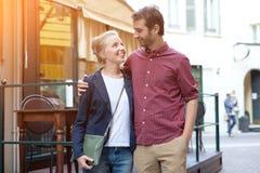 Portrait de vrais couples heureux Images libres de droits