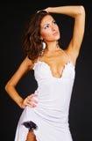 Portrait der attraktiven Frau im Kleid Lizenzfreie Stockfotografie