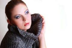 Portrait der attraktiven schönen Frau Stockfotografie