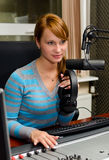 Portrait der Frau DJ Lizenzfreie Stockfotos