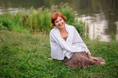 Portrait der Frau draußen stockbilder