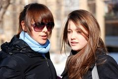 Portrait der Freundinnen; Stockfotografie