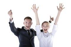 Portrait der glücklichen Geschäftsleute am Studio Lizenzfreie Stockfotos