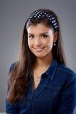 Portrait der glücklichen jungen Frau Lizenzfreie Stockbilder