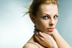 Portrait der jungen Frau Stockbild