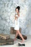 Portrait der jungen Frau in der Retro- Art Lizenzfreies Stockfoto