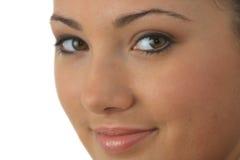 Portrait der jungen Frau mit Gesundheitshaut des Gesichtes Lizenzfreie Stockfotos