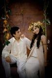 Portrait der jungen Paare im antiken Kleid Lizenzfreie Stockbilder