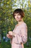 Portrait der jungen schönen Frau lizenzfreies stockfoto
