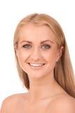 Portrait der lächelnden blonden Frau Stockbild