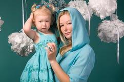 Portrait der Mutter und der Tochter stockbilder