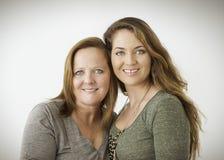 Portrait der Mutter und der Tochter stockbild