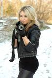 Portrait der netten jungen Blondine stockfotografie