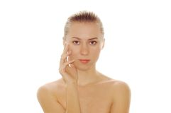 Portrait der reizvollen jungen Frauen mit schönem Gesicht Lizenzfreies Stockbild
