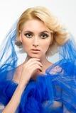 Portrait der schönen blonden jungen Frau Stockbilder