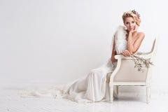 Portrait der schönen Braut Ein Fragment der Hochzeitsordnung lizenzfreie stockfotos