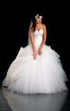 Portrait der schönen Braut im Hochzeitskleid Stockbild