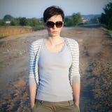 Portrait der schönen Frau in der Natur Stockfotos