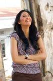 Portrait der schönen Frau an im Freien Stockfotografie