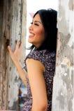 Portrait der schönen Frau an im Freien Lizenzfreie Stockfotografie