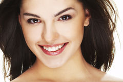 Portrait der schönen glücklichen jungen Frau lizenzfreie stockfotos