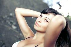 Portrait der schönen jungen Frau Lizenzfreie Stockfotos
