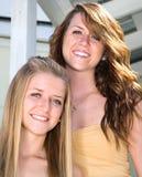 Portrait der schönen Schwestern Stockbild