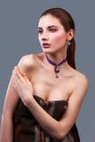 Portrait der schönen sinnlichen Frau Lizenzfreie Stockbilder